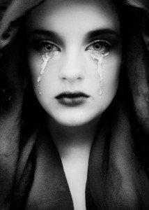 Tears dans Yeux iv.-tears-214x300